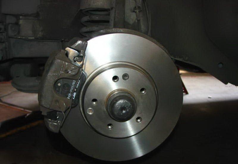 3 причини да проверим спирачките на колата